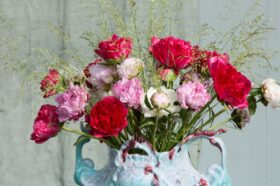 Summery Peony arrangement by floral designer Menno Kroon.